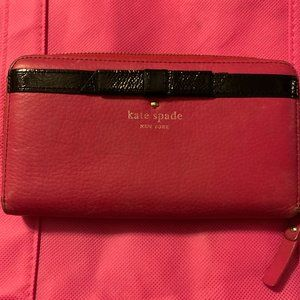 Kate Spade Clutch (defects)